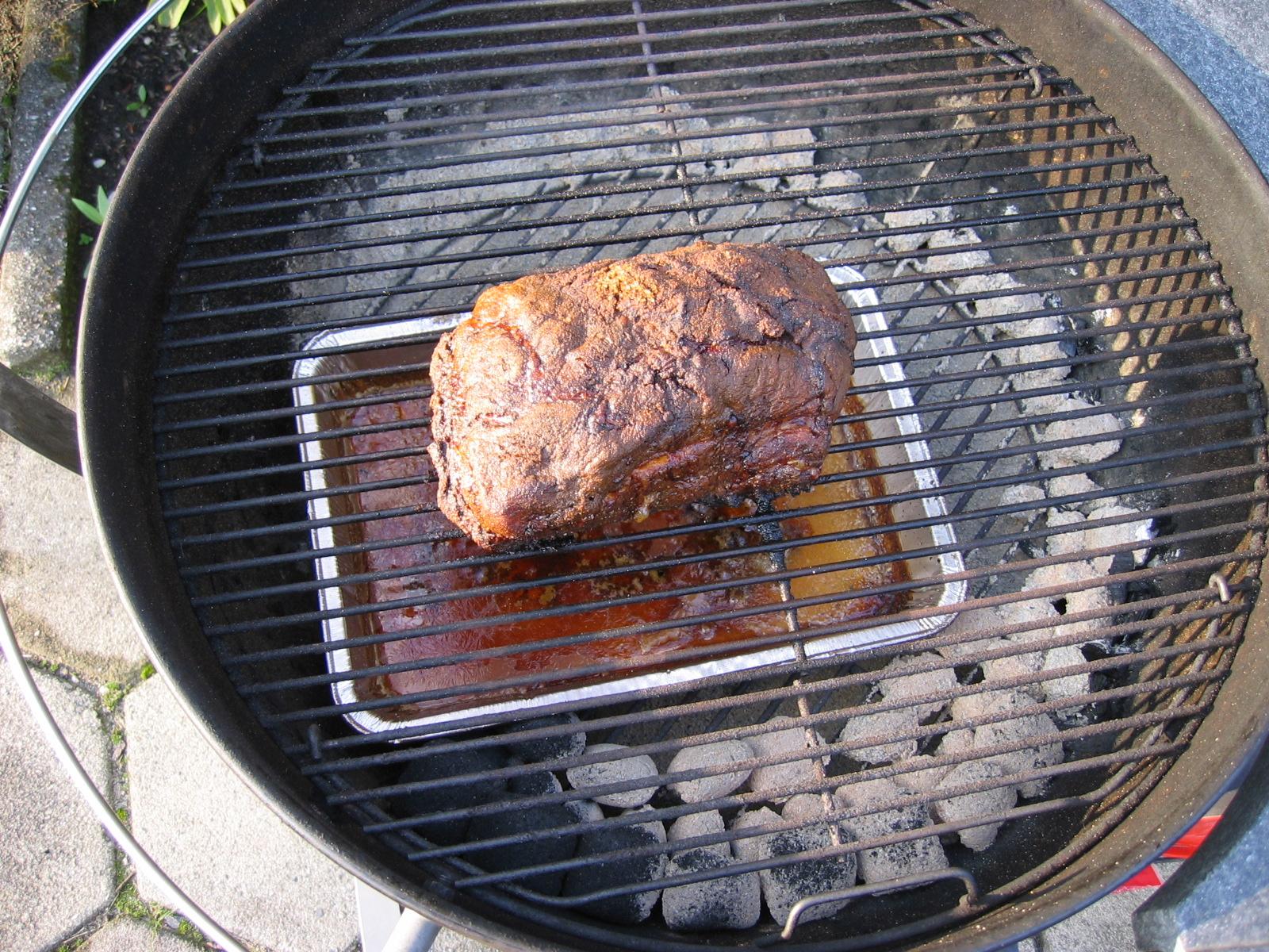 Weber Elektrogrill Pulled Pork : Pulled pork in a 57 cm 22.5 inch weber kettle